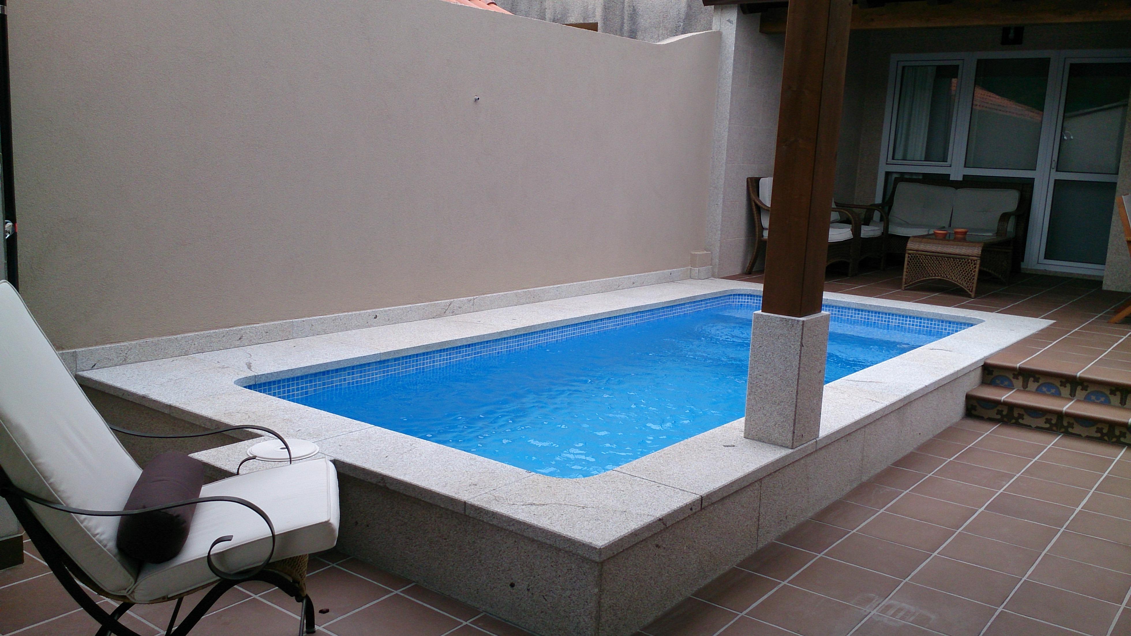 Piscinas salnes piscinas de hormigon for Piscina 4 x 2